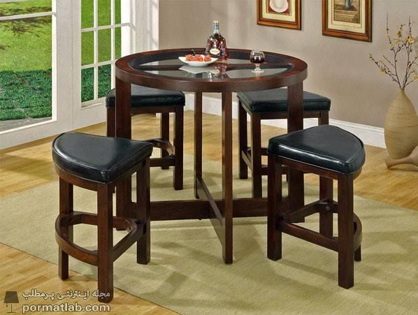 میز ناهارخوری کم جا و تاشو با صندلیهای بدون پشتی