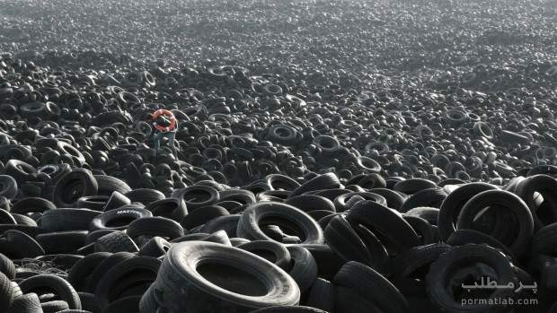 تیوپ نجات در میان میلیون هالاستیکفرسوده