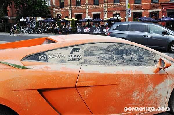 نقاشی کردن بر روی ماشین های کثیف