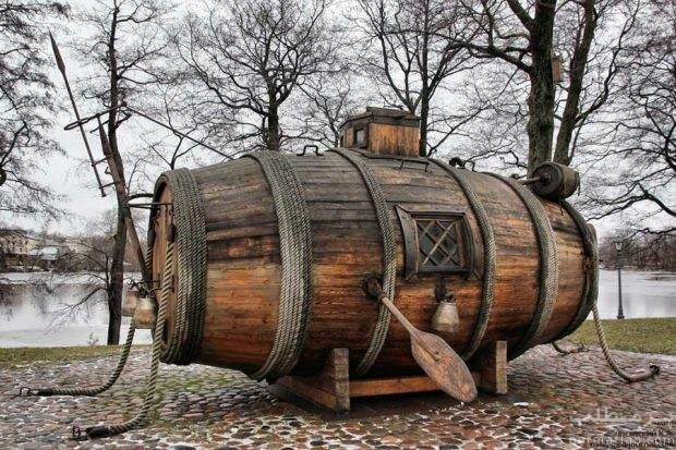 اولین زیردریایی جهان ساخته شده از یک بشکه چوبی