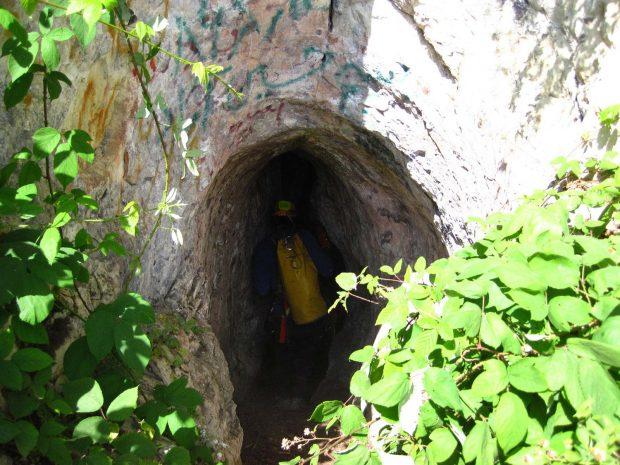 غار سم Som یکی از عمیق ترین غارهای ایران